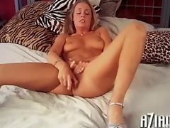 Heather fills her tight sexy pussy up with her toy!