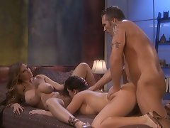 Devon Lee, Sienna West have fun with a dick that has to perform