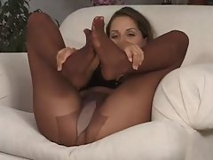 Pantyhose Playtime.The sybian 529