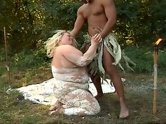 Luscious greasy pussy whacking outdoors with hot fatty