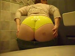 Irish Pawg M.J. Gets Yellow