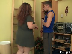 Fitness instructor bangs BBW from behind